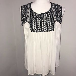 The Impeccable Pig Boho Embroidery Top Medium